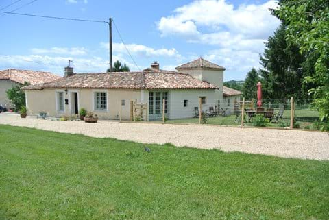 Gite La Fleurette with private, enclosed garden and far-reaching views