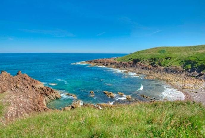 View along the Eyemouth to St Abbs Footpath