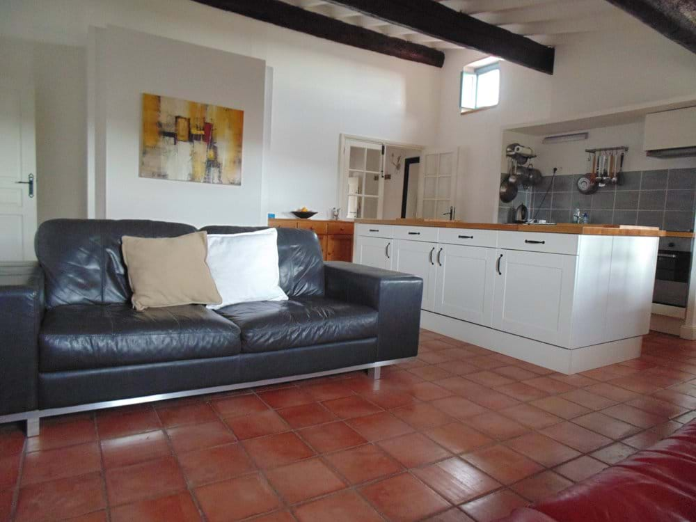 Living area / kitchenette
