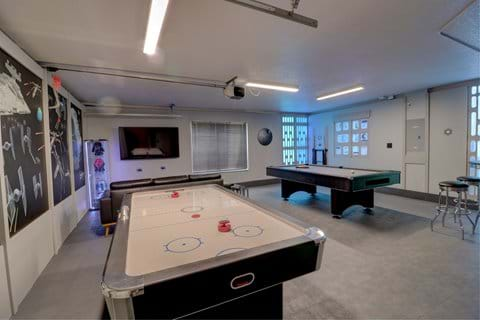 Star Wars Games room with AIR CON