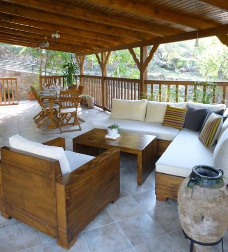 Large terrace, comfortable couches and outside dining table...enjoy the sunsets!