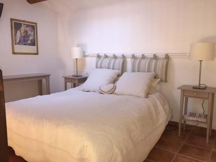 Bedroom 3, kingsize bed in mezzanine