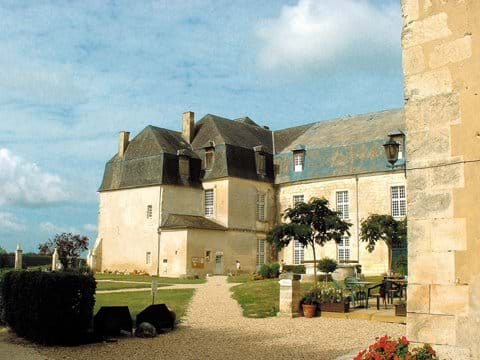 Chateau de Chalais (avec 5* restaurant!) - Credit Charente Tourism