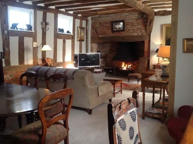 Quintessentail Lavenham holiday cottage Interior
