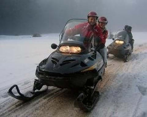 Adventure on skidoos - motorised skis