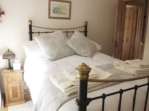 Victorian antique brass style master bed.