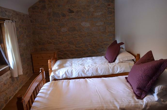 The Railway Cottage - 10 person gîte - large bedroom with two single beds