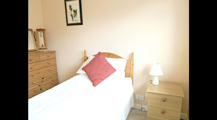 Cosy Full Single Bedroom
