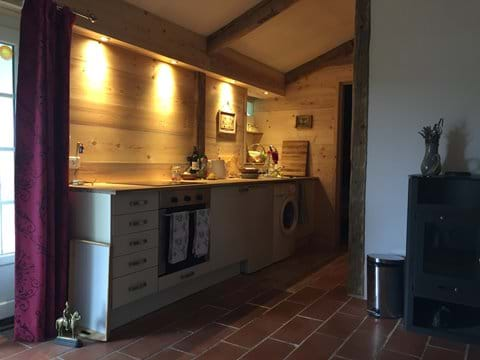 Cabanon kitchen