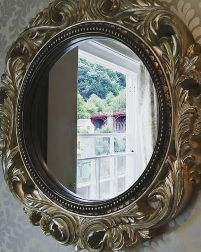 Wonderful view of the Iron Bridge reflecting in the lounge mirror