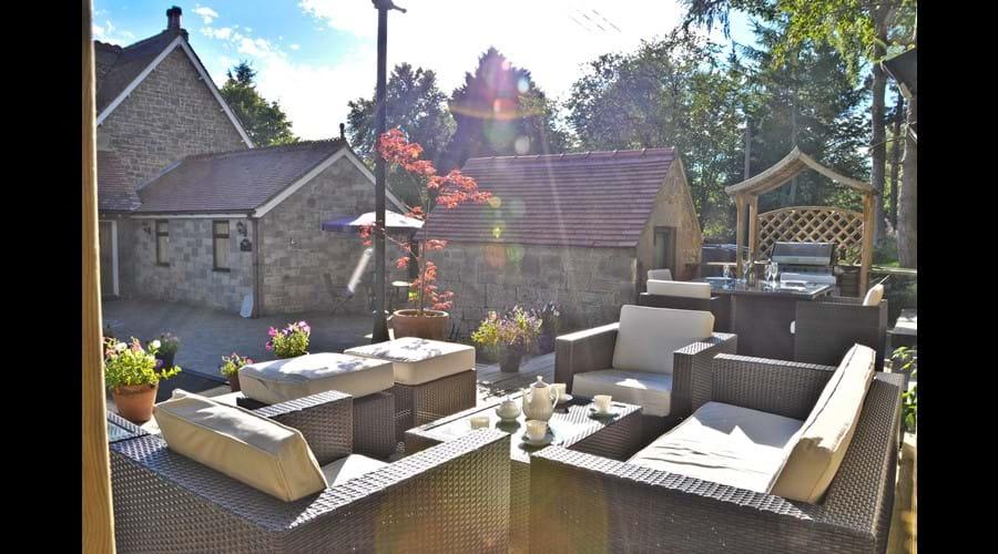 Alfresco Lounge & BBQ Dining