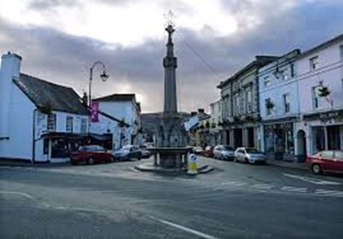The pretty little town of Crickhowell is very popular with guests with a selection of boutique shops, Cafe's and restaurants.