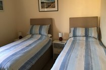 twin beds can be linked or separate