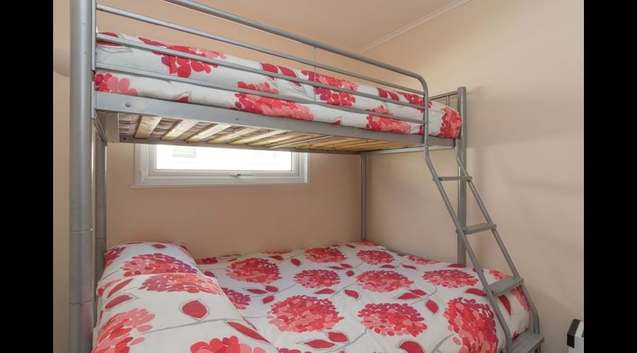 Triple bedroom with fitted double wardrobe
