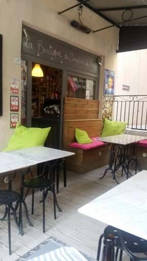 Wine Bar in Pont Royal Square - strolling distance from the house - great bruschettas and cheese and meat platters