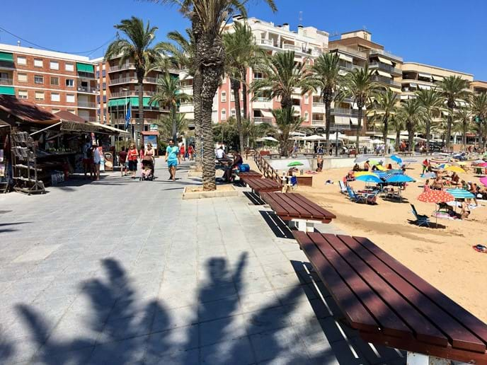 Close to the apartment: Playa del Cura, promenade