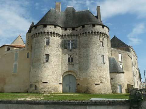 Chateau de Barbezieux (20 mins)
