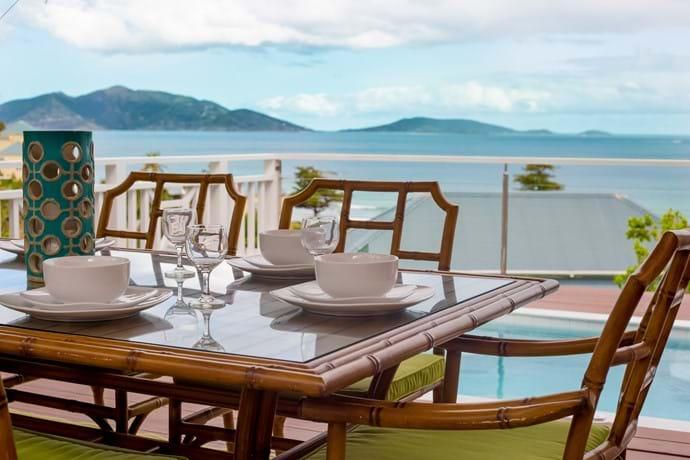Garden Suite Alfresco outdoor dining with dip pool