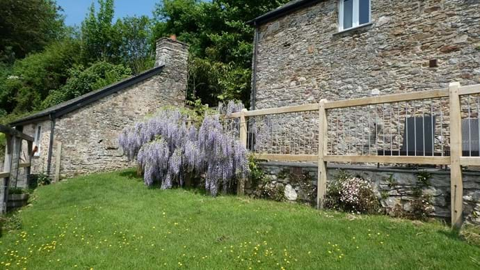 Nutcombe Cottage Garden/ Nutcombe Holiday Cottages