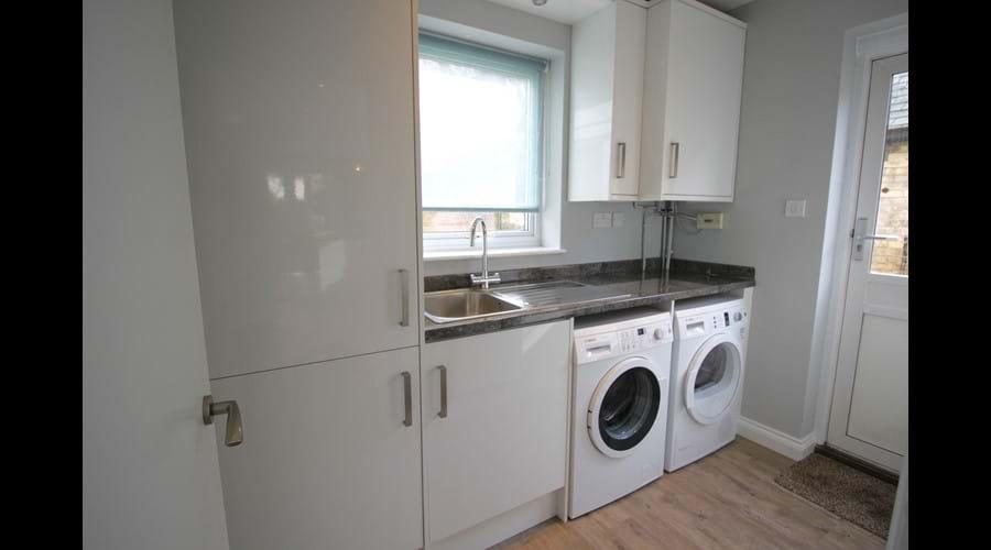 Utility Room with Washing Machine, Tumble Dryer & Fridge Freezer