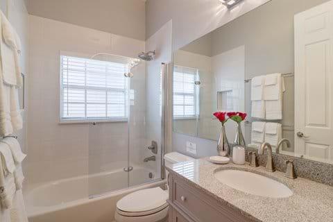 Shared Bathroom (Bedrooms 4 & 5)