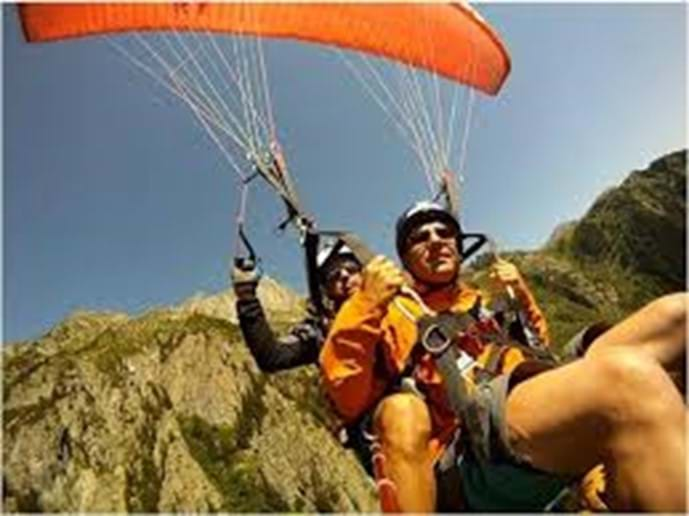 Paragliding lessons available all year