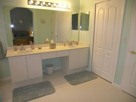 Large En Suite with twin bowl vanity