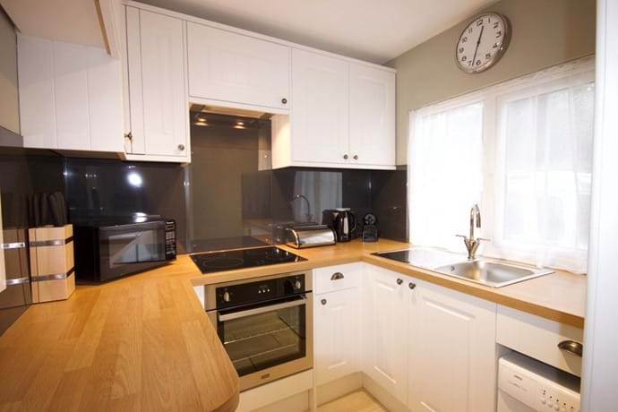 Light & bright kitchen in self catering holiday cottage close to Lymington