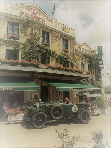 Hotel De France in nearby Chartre-sur-le Loir