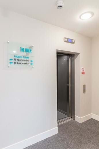 York holiday rental lift