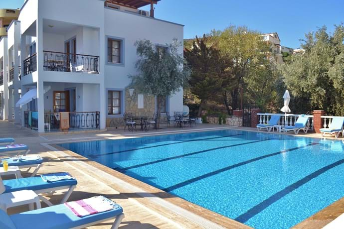 No fighting for sunbeds at the Nur Apartments!