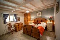 Double en suite room Gite Grange  La Mineurs