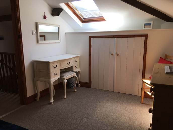 Spacious Main bedroom 1