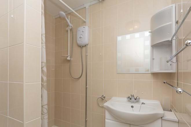 Modern spacious shower room