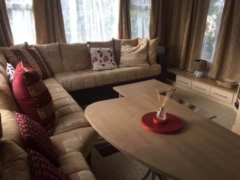 Comfortable lounge/diner