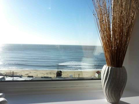 Stunning sea views (6 - Driftwood)