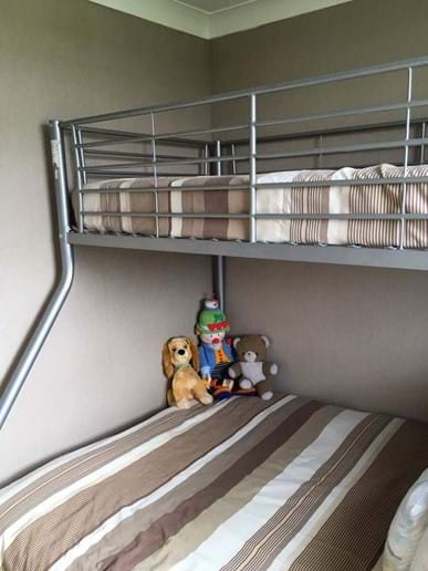 Bedroom 2 : Triple bunk bed