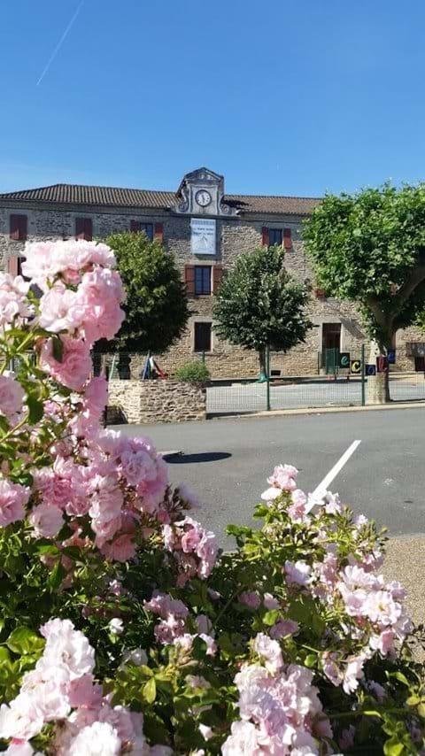 The school in Miallet
