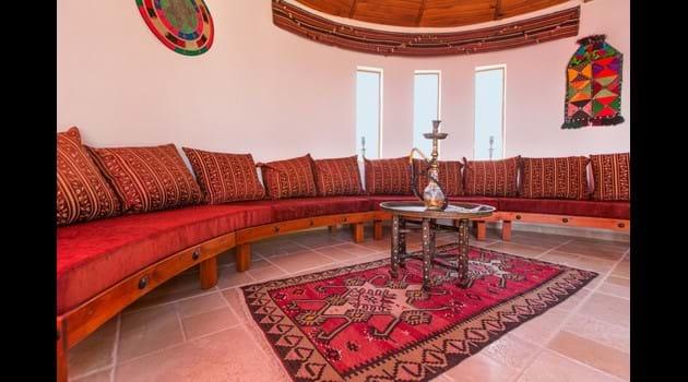 Roof Top Ottoman Room