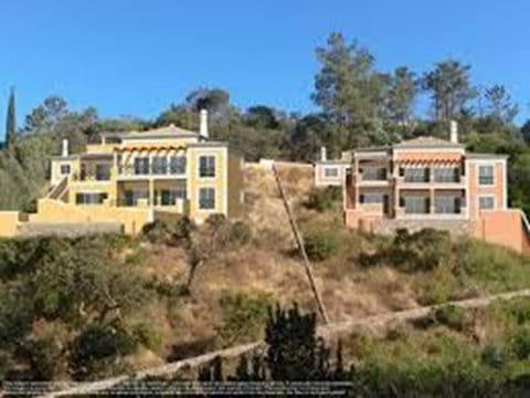 Modern Villas for sale in Monchique