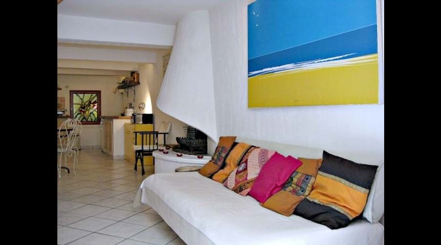 Open the door to your self-catering home in Marseillan