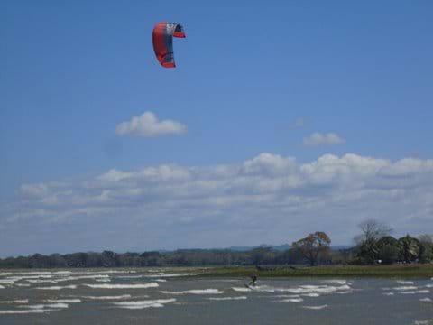 Kitesurfing in Cardenas