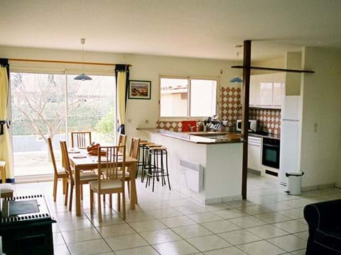 Dining Area, Breakfast Bar and Well-Equipped Kitchen