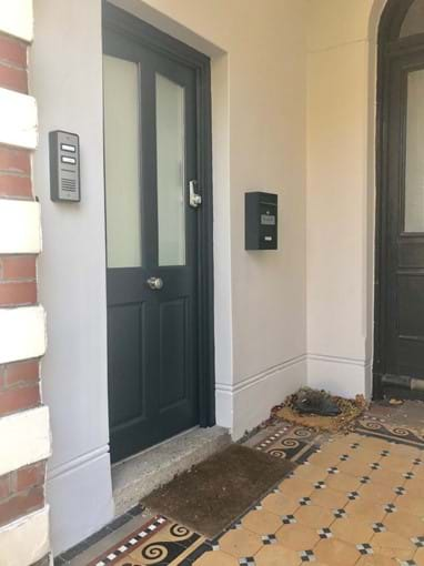 Home from Home Portsmouth - Secure front door with intercom