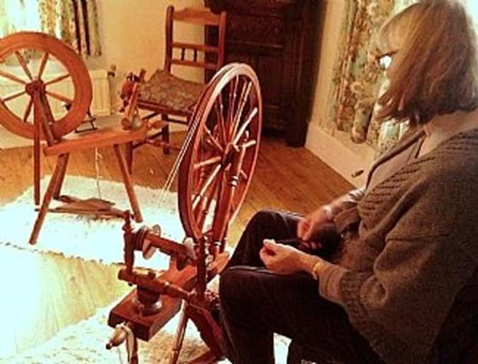 Learn a new skill - hand spinning courses run throughout the year