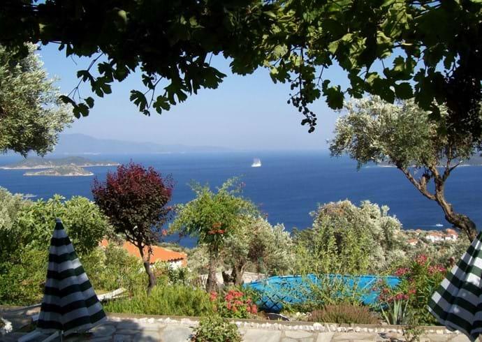 Club Med yacht leaving Orchard Villa