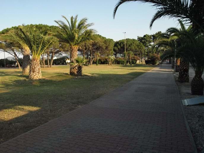 The pedestrian promenade next to the beach at Argeles sur Mer