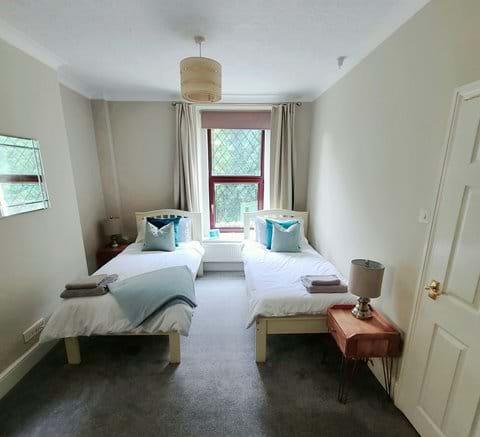 Twin bedroom Port Erin