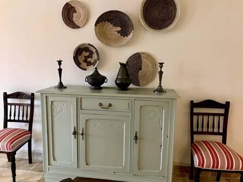 Cabinet in salon