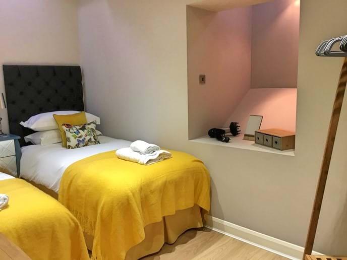 Twin bedroom on lower ground floor